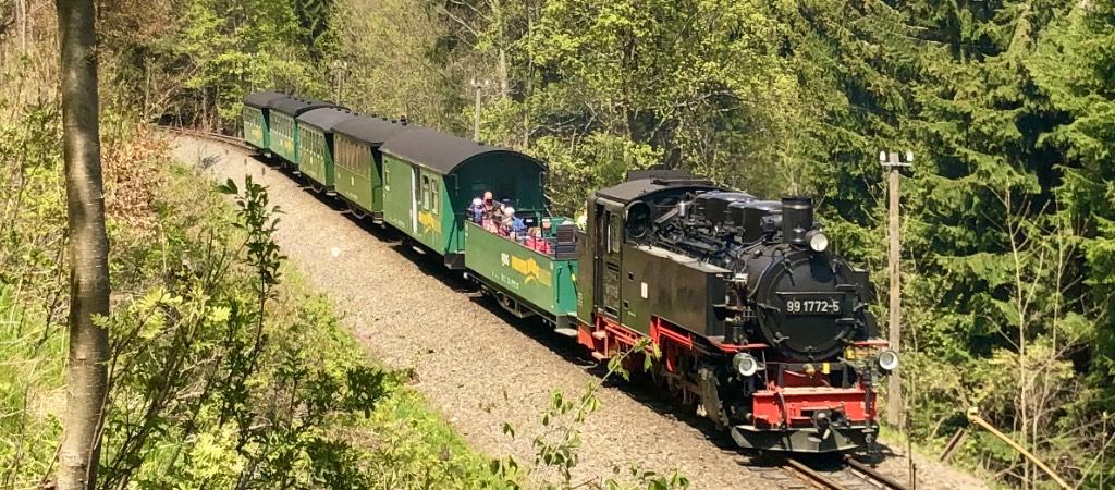 Fichtelbergbahn mit offenem Waggon