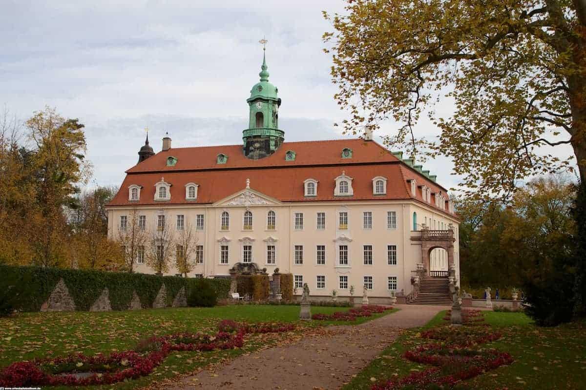 Schloss Lichtenwalde vom Park aus gesehen