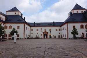 der Schlosshof von Augustusburg