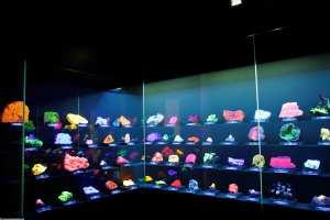 UV Steine in der Ausstellung Terra Mineralia in Freiberg