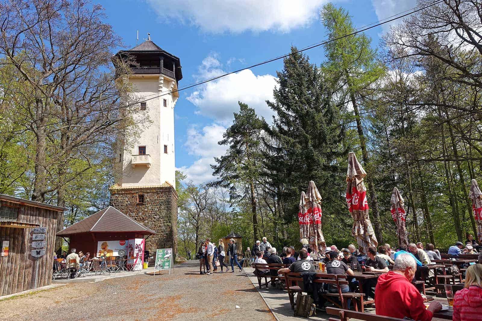 Aussichsturm mit schönem Blick über Karlsbad