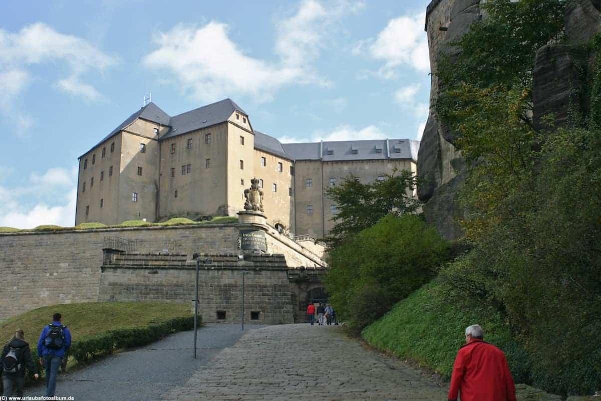 auf dem Weg hinauf zur Festung Königstein