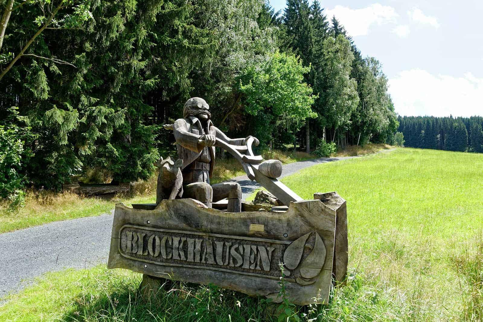 Kettensägekunst im Erzgebirge - Wanderung nach Blockhausen