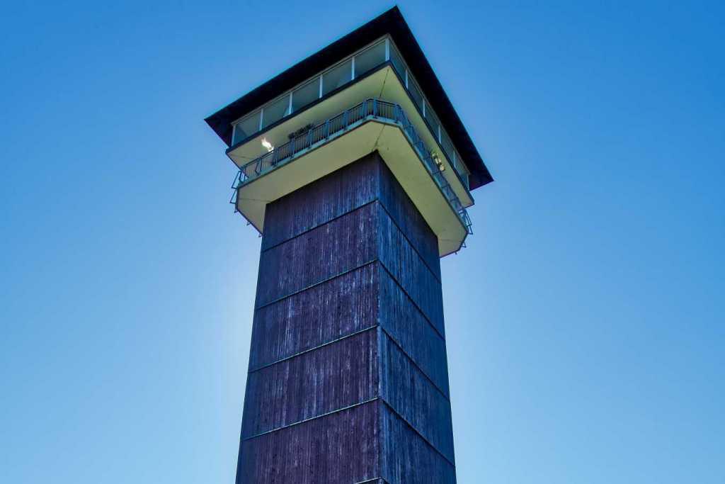 40m hoher Aussichtsturm auf dem 728m hohen Spiegelwald im Erzgebirge