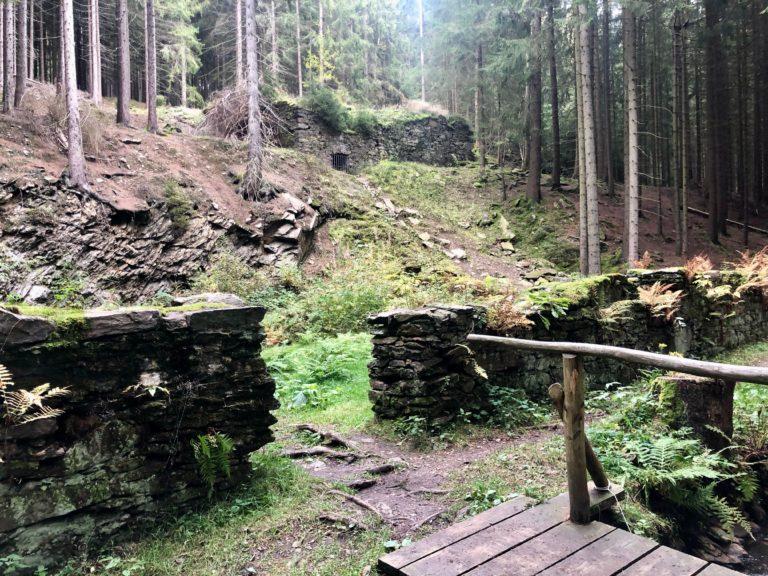 die Grundmauern des alten pochiertes am Röhrgraben